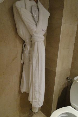 Hotel Regina Barcelona: Banheiro
