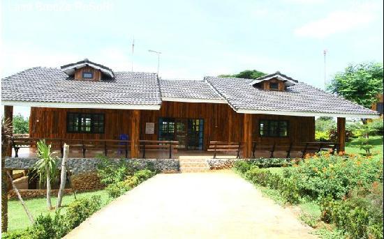 Land Breeze Resort & Hotel: Land Breeze Resort