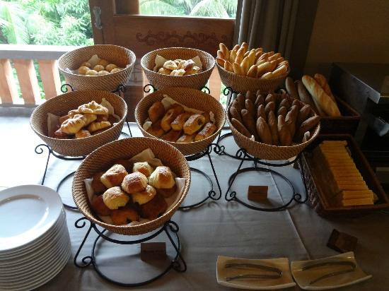Pilgrimage Village: Breakfast