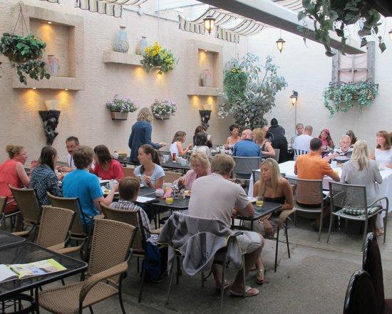 Mocha Cabana: mochas award winning patio