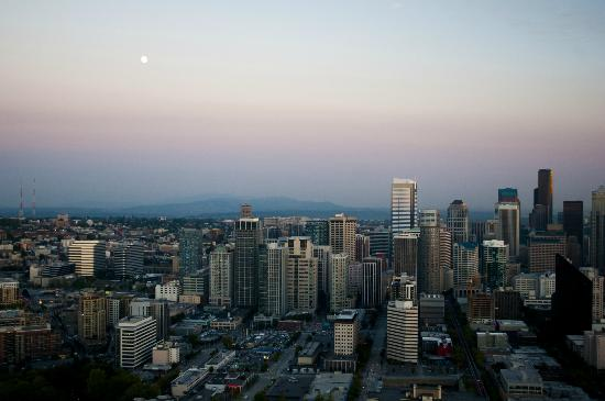Space Needle: sunset