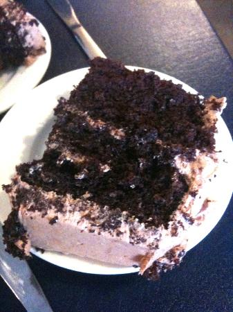 World Famous MOMS: Happy Ending - Chocolate Cake