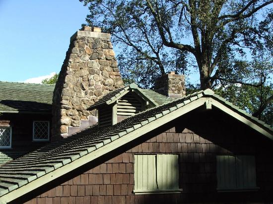 The Stickley Museum at Craftsman Farms: ROOF LINES