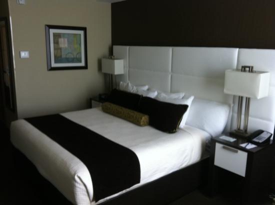 Best Western Premier Miami International Airport Hotel & Suites: tasteful modern room 620