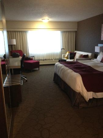 Delta Calgary South Hotel : Refurbished room