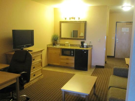 Holiday Inn Express Hotel & Suites Kalispell: Living Room Area