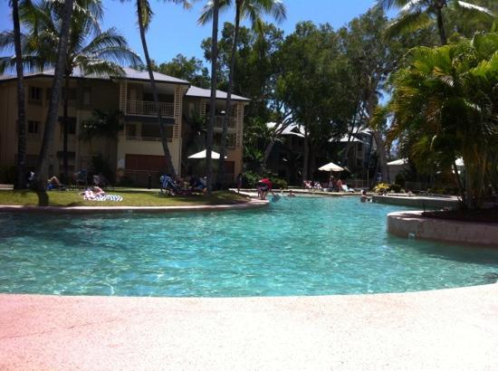 Mantra Amphora: pool