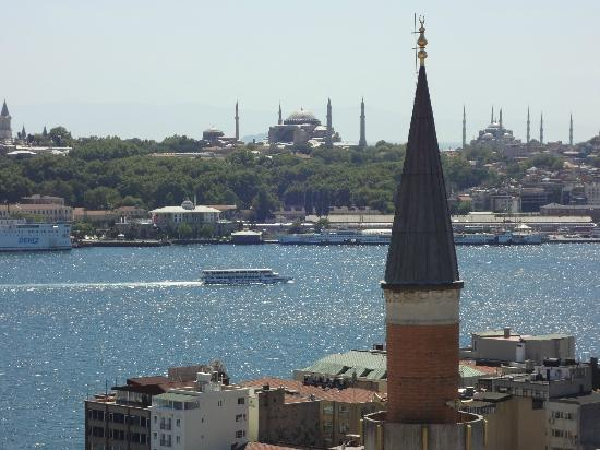 Witt Istanbul Suites: Hagia Sophia and Blue Mosque from Room 61