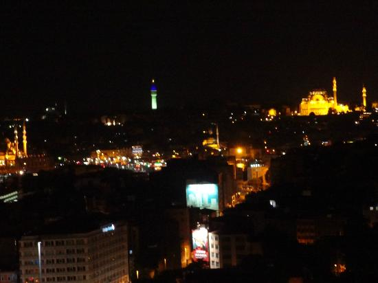 Witt Istanbul Suites: Night View