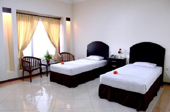 Hotel Pelangi Malang 28 35