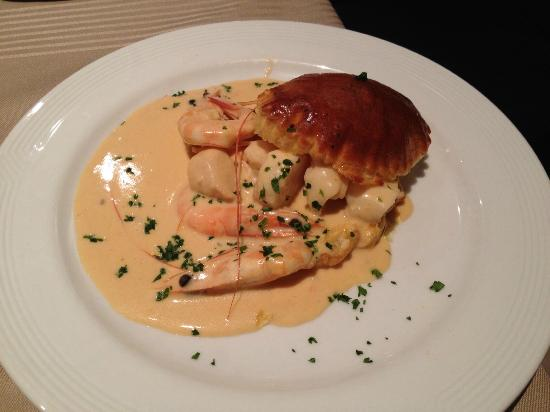 Georges Opera: Seafood starter in puff pastry
