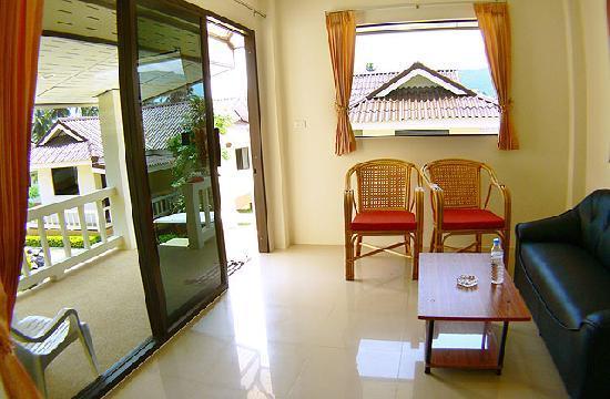 Baan Saen Sook Villas