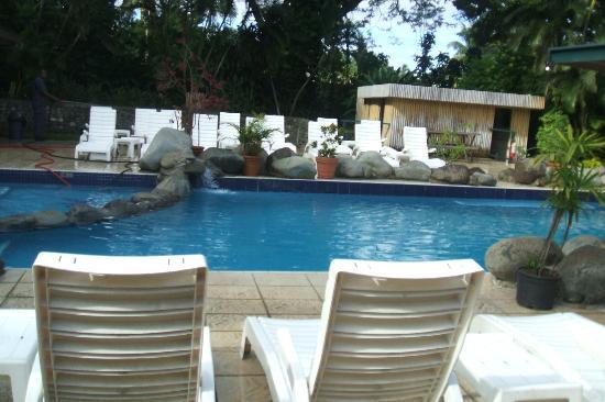 Tanoa Skylodge Hotel: Pool area - 2010 trip