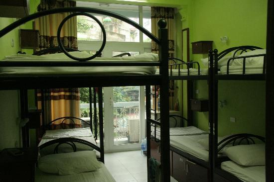 Hanoi Hostel: Room for 8 people 