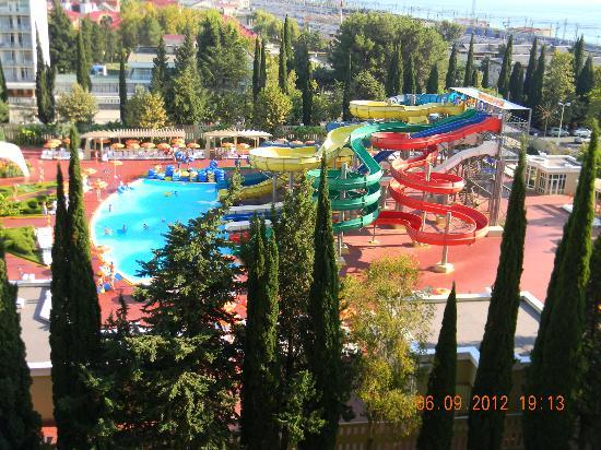 Hotel Vesna: Днем. Вид с 9 этажа.