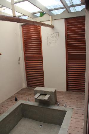 Palita Lodge: Bath