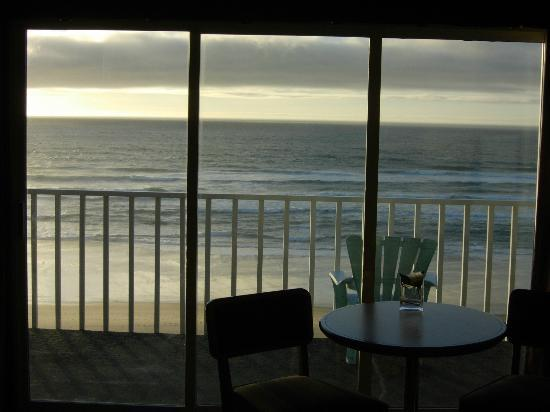The Coho Oceanfront Lodge : Dynamite sea view