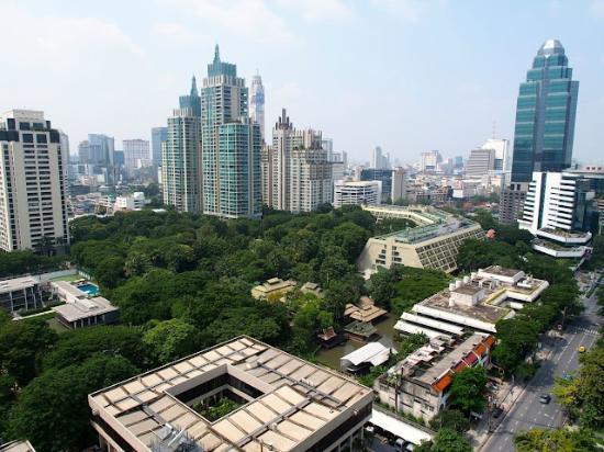 Sivatel Bangkok : Nai Lert Park from 18th floor