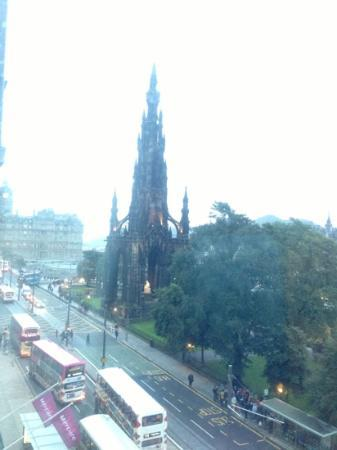 Mercure Edinburgh City - Princes Street Hotel: great views