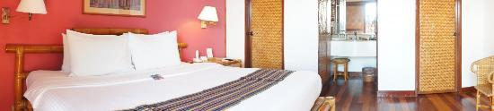 Pearl Farm Beach Resort: bed