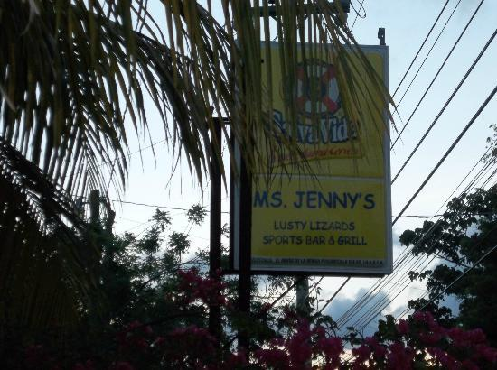 Ms. Jenny's Lusty Lizards Sports Bar and Grill: gotta stop here - try her hotsauce