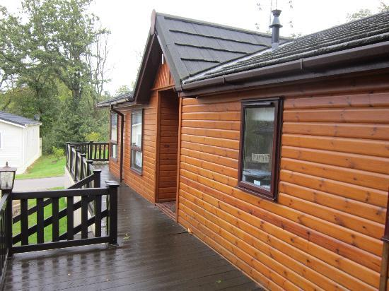 Beauport Holiday Park - Park Holidays UK: Lodge front