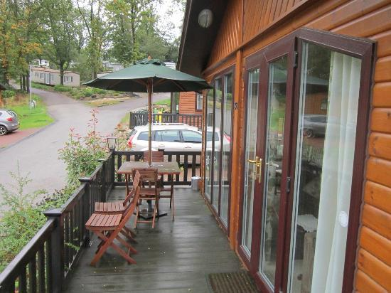 Beauport Holiday Park - Park Holidays UK: Lodge verandah