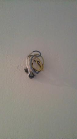 Sofos Studios: Random Wires