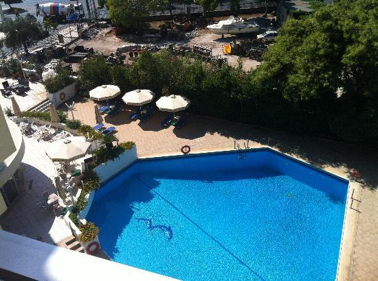 Best Western Hotel Fenix: Pool / Sea View from Suite 413