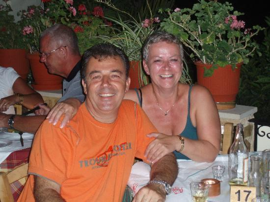 Manolis Taverna Restaurant: summer 2011