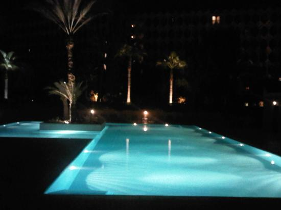 Atlas Medina & Spa: Pool by night