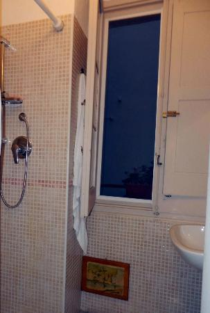 Borgo San Martino : ванная