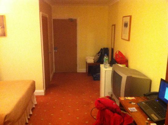 Mehfil Hotel : Big room