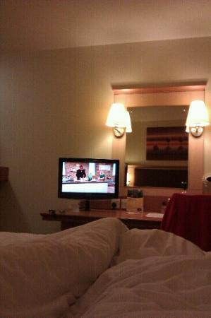 Premier Inn Leeds East Hotel: Watching Saturday kitchen in the big premier inn bed!