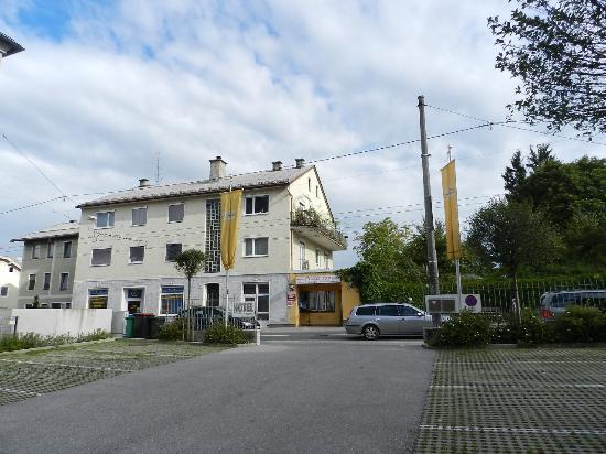 Villa Ceconi: parcheggio