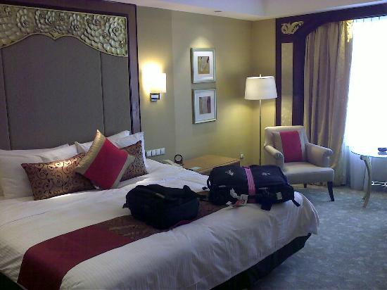 Shangri-La Hotel Jakarta : room