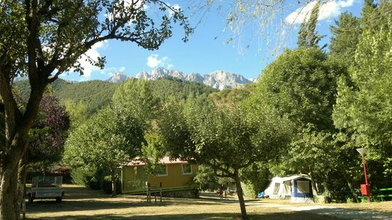 Camping La Isla Picos de Europa: view of the mountains from our tent