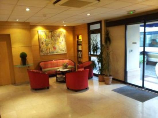 Espace Champerret: Lobby