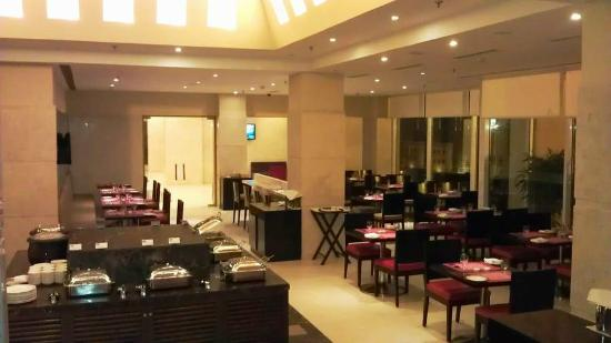 Hometel Roorkee: Flavours - The All Day Dining