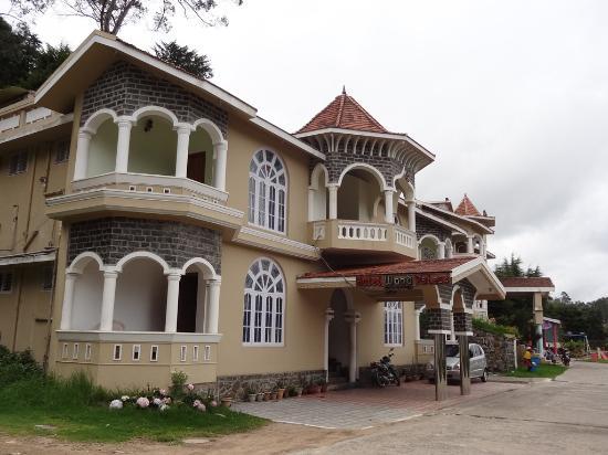 Hotel Wood Palace