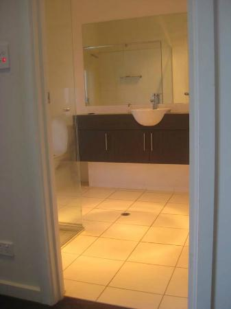 La Loft Apartments Unley: Ensuite Bathroom