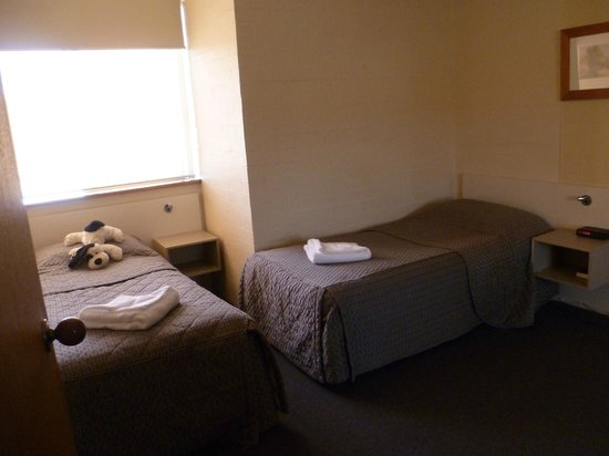 Oxley Court Serviced Apartments: 2nd bedroom