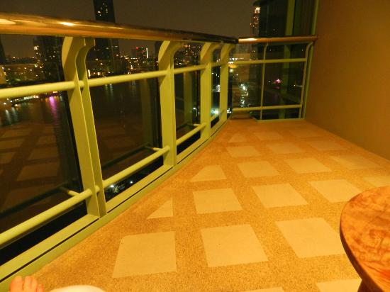 Chatrium Hotel Riverside Bangkok: One Bed Grand Suite balcony