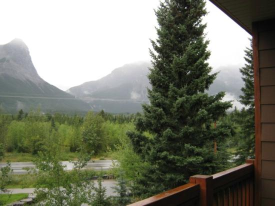 Falcon Crest Lodge: View from balcony