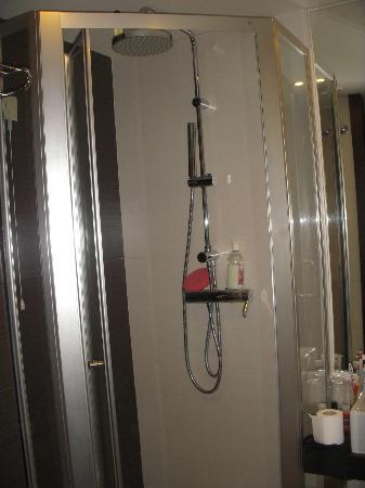 Turim Alameda Hotel: Mini ducha