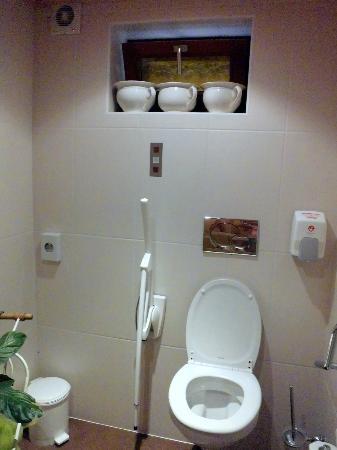 RESTAURANT LE MELKERHOF : Toilette