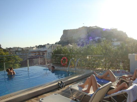 Electra Palace Hotel - Athens: My the pool looking at the Acropolis