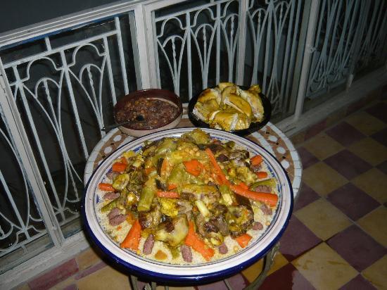 Riad Dar Khmissa: Coucous maison...miam miam