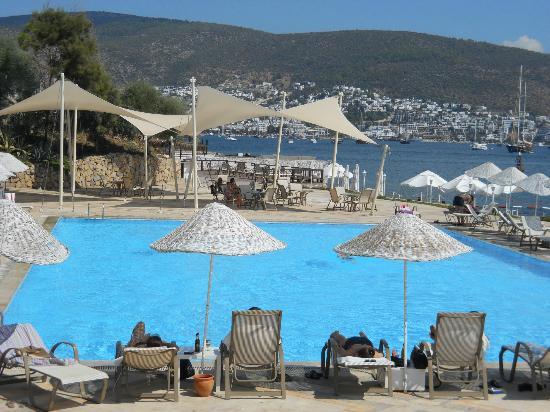 Hotel Mavi Kumsal: Pool