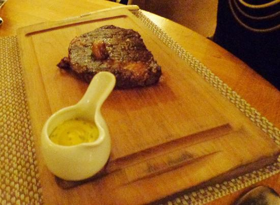 Locks Brasserie: Dry Aged Maurice Kyttle Irish Rib-Eye Steak with itsy bitsy bone marrow